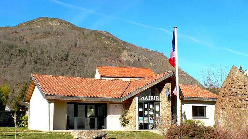 Vue de la mairie - Commune d'Arignac Ariège (09)