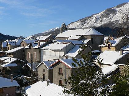 Le village enneigé - Commune d'Arignac Ariège (09)