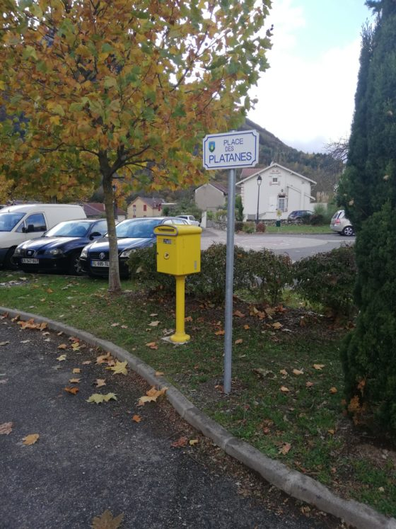 Mise en place de nouvelles plaques de rue